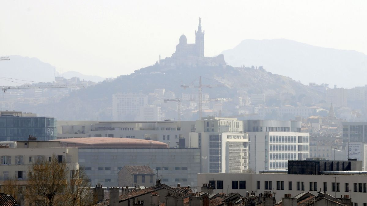 Pollution: Greenpeace alerte sur la qualité de l'air à Marseille