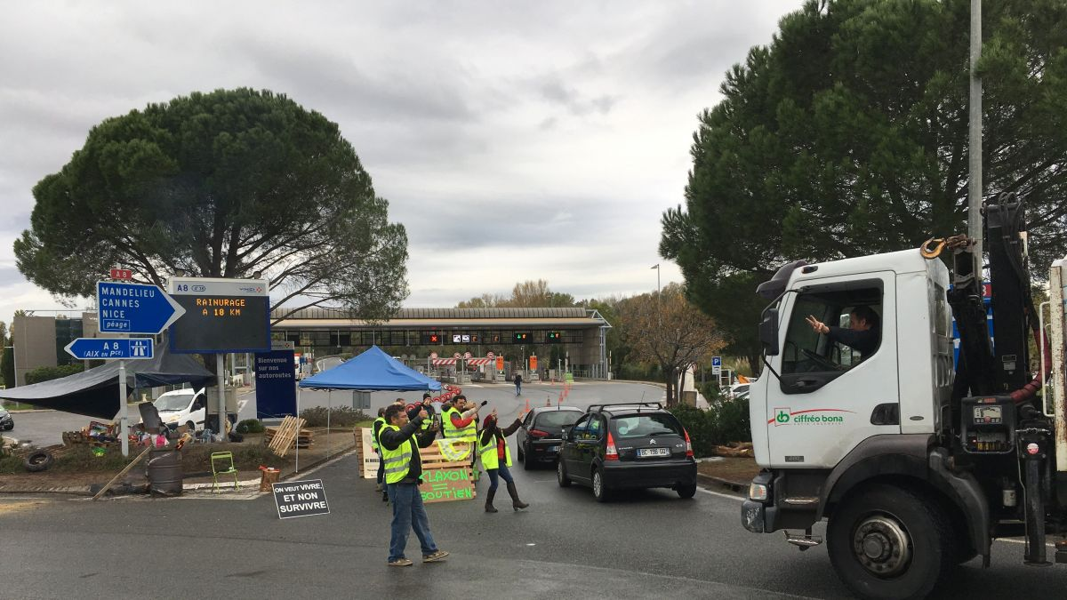 DIRECT. Gilets jaunes : le point sur les blocages ce mercredi à Nice, Antibes, Fréjus...