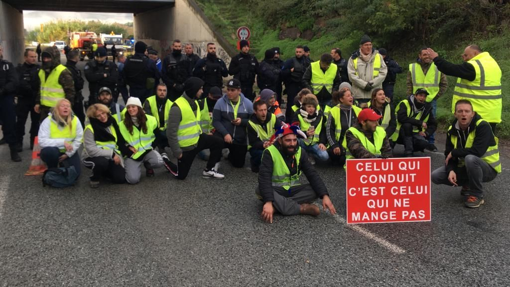 "DIRECT ""Gilets jaunes"" : le point sur les blocages ce mercredi à Nice, Antibes, Fréjus..."