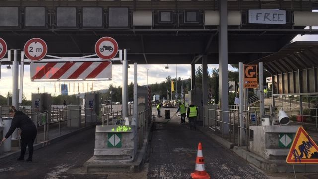 "DIRECT. Gilets jaunes : ""on ne lâche rien"". Quels sont les blocages ce lundi à Port-de-Bouc, Orange, La Ciotat..."