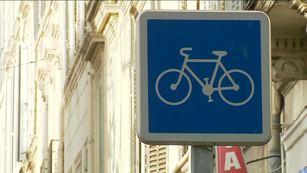 Difficile de rouler à vélo dans Marseille / © Photo Laurent Esnault/France3 Provence