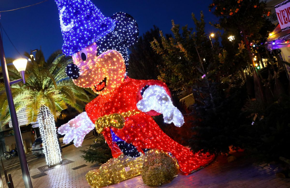 Image Ou Photo De Noel.Carte Alpes Maritimes Les Animations De Noel De Cannes