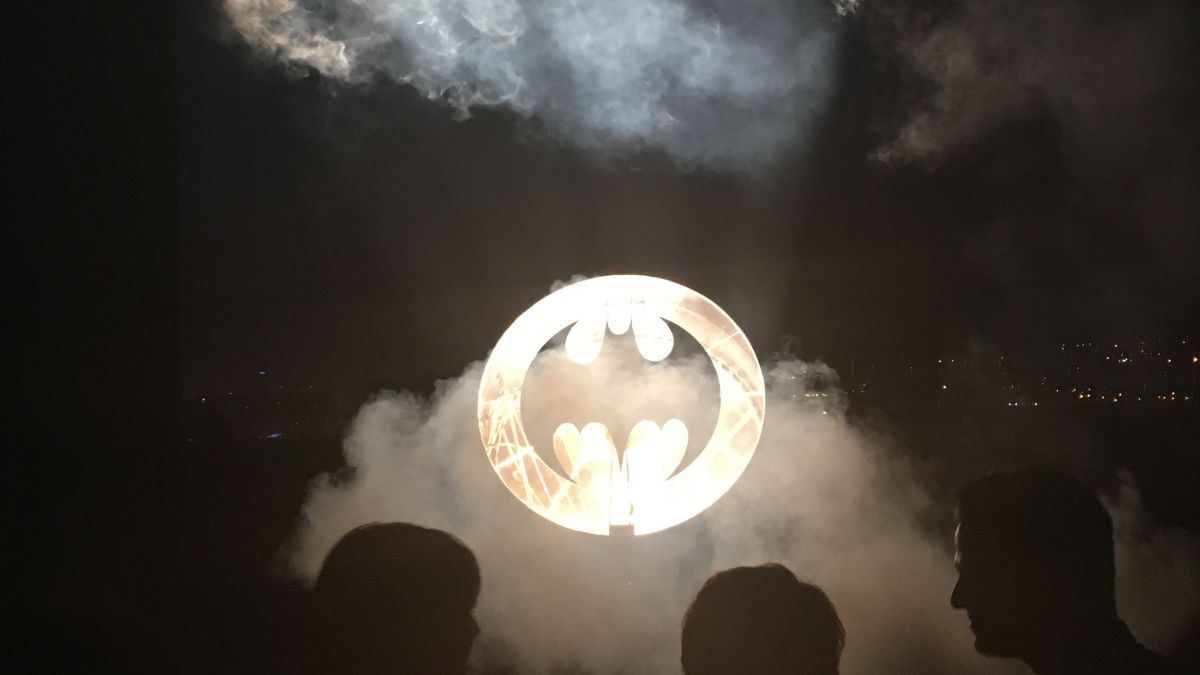 Art contemporain : Batman s'invite dans le ciel de Marseille