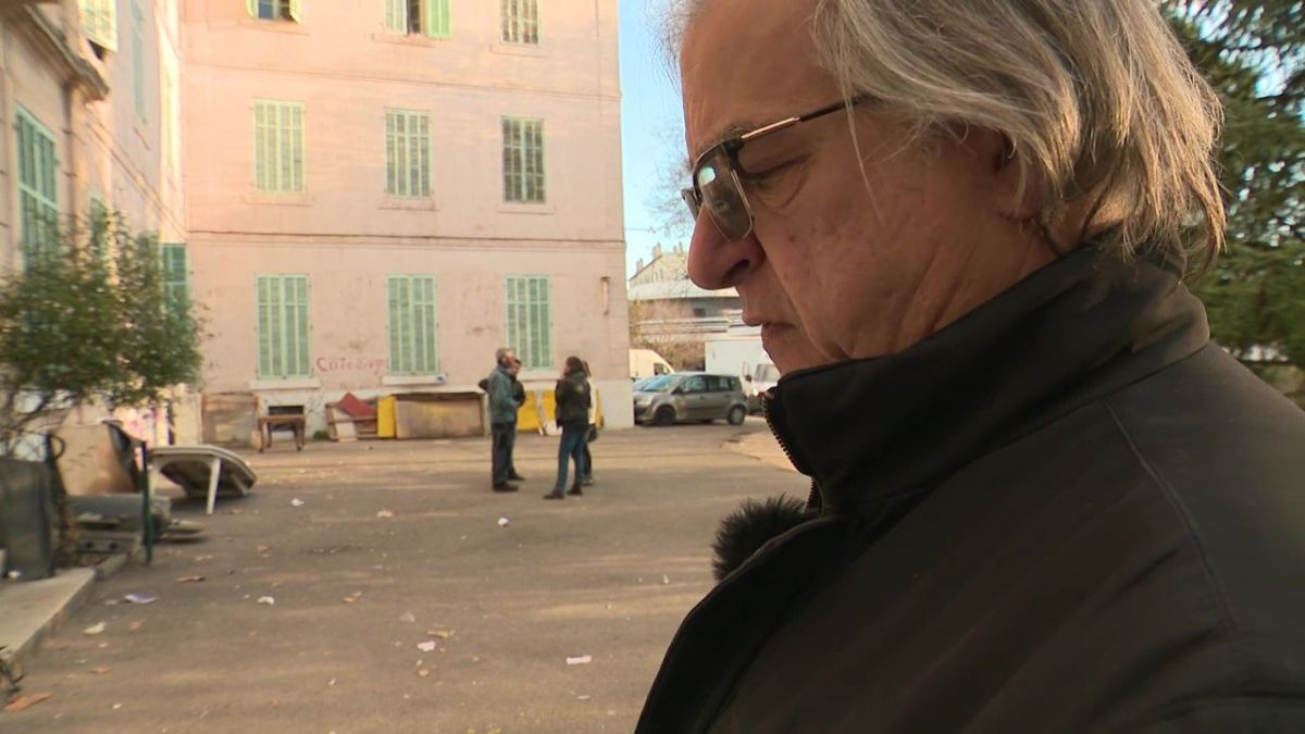 Marseille : l'acteur Gérard Meylan soutient les migrants du squat Saint-Just