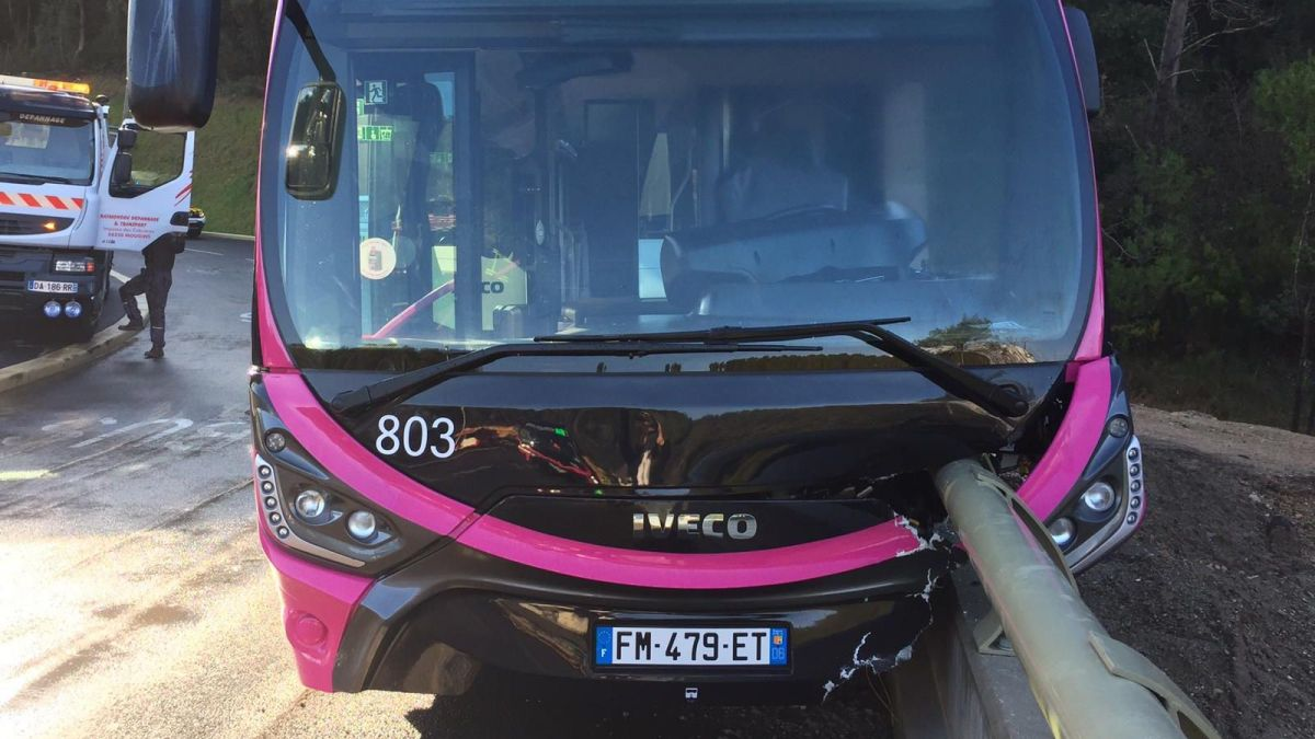 Antibes : un accident de bus fait 16 blessés