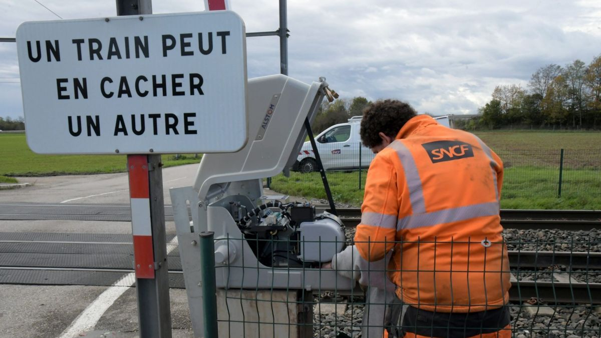 Salon-de-Provence : deux morts dans un accident de scooter avec un train