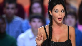 Nabilla au Grand Journal de canal + / © MIGUEL MEDINA / AFP