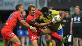 Clermont et Grenoble au Stade Marcel Michelin à Clermont-Ferrand. / © Photo Thierry Zoccolan / AFP