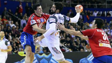 Suivez en direct streaming Nikola Karabatic et l'équipe de France face au Danemark. / © (JONATHAN NACKSTRAND - AFP)