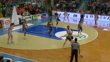 Bourges basket - Kosice / © F3 Centre