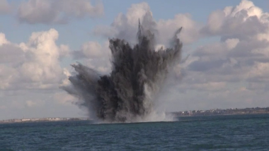 La destruction d'une bombe au large de Saint-Malo / © Marine Nationale