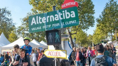 Le mouvement citoyen Alternatiba place de la République, à Paris - 27 septembre 2015 / © Maxppp