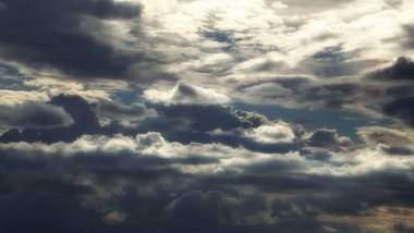 © Image PIXABAY superposition de nuages