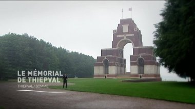 Dominique Patinec devant le mémorial de Thiepval / © France 3