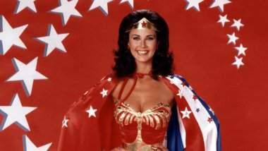 Lynda Carter en Wonder Woman dans la série américaine diffusée entre 1976 et 1979. / © © KOBAL / THE PICTURE DESK