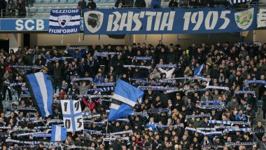 ILLUSTRATION - Supporters du SC Bastia lors du match face à Saint-Etienne le 5 mars 2017 / © PASCAL POCHARD-CASABIANCA / AFP