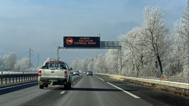 Limitations de vitesse en raison de la pollution de l'air le 9 décembre sur l'autoroute blanche. / © Photo PQR