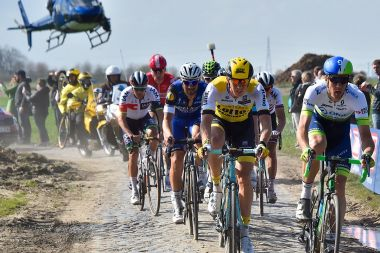 Paris-Roubaix en direct streaming toute la journée.  / © AFP