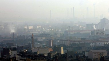 Image d'illustration: la pollution au Havre en 2005 / © CHRISTIAN CARIAT