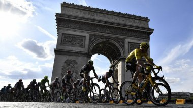 L'an dernier, le britannique Christopher Froome (maillot jaune) avait remporté le Tour de France à l'issue d'une étape Chantilly-Paris. / © jeff pachoud / AFP