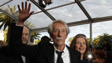 Jean Rochefort, sur le tapis rouge de Cannes en 2011. / © AFP PHOTO / FRANCOIS GUILLOT