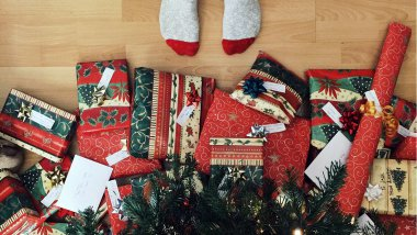 Cadeaux de Noël / © Photo by Andrew Neel on Unsplash