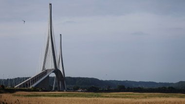 Le Pont de Normandie / © Charly Triballeau/AFP