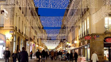 Les illumination de Noël rue Le Bastard, à Rennes. (Archives) / © PHOTOPQR/OUEST FRANCE