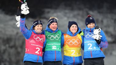 Le podium des dames, médaillées de bronze du relais de biathlon. Photo Li Gang Xinhua News Agency/Newscom/MaxPPP