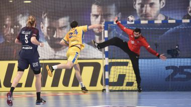 Le match PSG Handball / Kielce, le 28 avril, au stade Pierre de Coubertin, à Paris. / © LeMousticProduction/MAXPPP