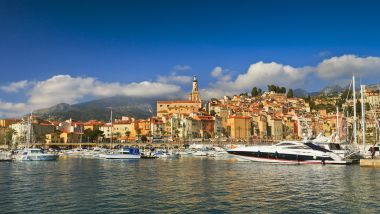 Le port de Menton (Archives). / © R. & S. Hoffmann/picture alliance / blickwinkel/R/Newscom/MaxPPP