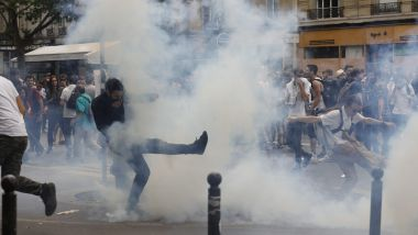 "Des incidents en marge de la ""Marée populaire"", à Paris, le 26 mai 2018. / © PHOTOPQR/LE PARISIEN/MAXPPP"