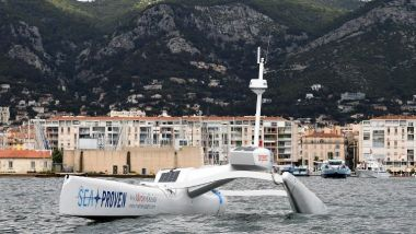 Le drone marin Sphyrna en mission scientifique au large de Toulon / © Boris HORVAT / AFP