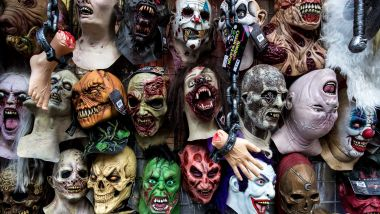 Des masques d'Halloween vendus sur un étal (photo d'illustration) / © Vincent Isore / Max PPP