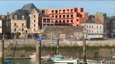 Le chantier de construction sur les anciens remparts face au port de plaisance de Dieppe / © France 3 Normandie