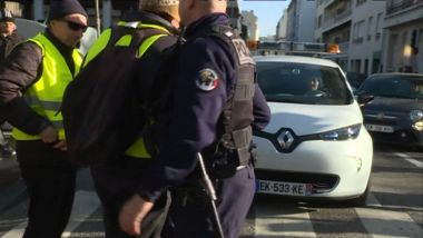 Les gilets jaunes bloquent la scan-car à Marseille / © France 3 Provence-Alpes