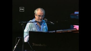 Michel Legrand à Jazz sous les Pommiers en 1995 / © France 3 Normandie