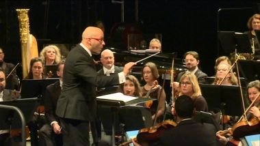 Le chef d'orchestre Enrique Mazzola. / © France 3 Paris Île-de-France