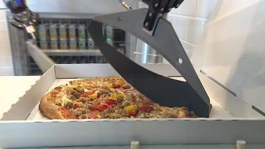 Un robot-pizzaïolo. / © France 3 Paris IDF