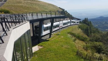 Attention, du 14 au 18 octobre, pour des raisons de maintenance, le Panoramique des Dômes ne sera pas en service. / © Fabien Gandilhon / France 3 Auvergne