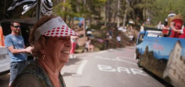 """La Grand-messe, un amour de Tour"", un documentaire sur les camping-caristes du Tour de France. A voir lundi 7 septembre à 13h45 sur France 3. / © FRANCE TELEVISIONS / Supermouche productions"