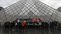Louvre manif